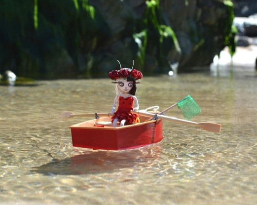Vinetta in a boat